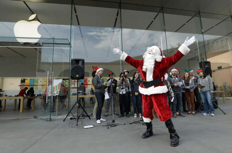 In all likelihood, Apple will have good reason to celebrate during the upcoming holiday season.