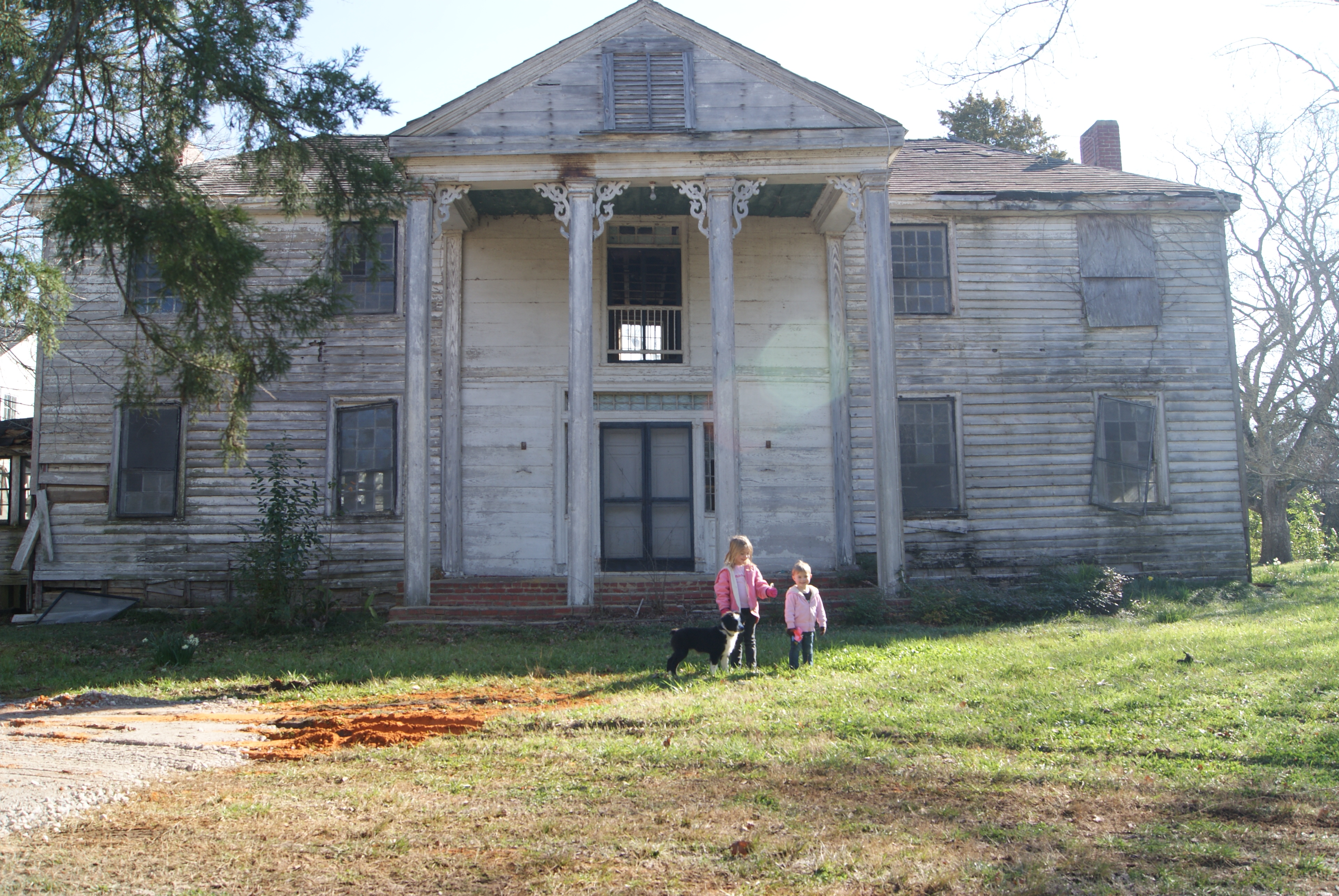 """ENDANGERED HOUSE PRESERVED.                                       Who: Amanda H.                                       Where: Gallion, Alabama.                                                                              Before: """"Bermuda Hill had been placed on the 'endangered' list and 'places of peril' by the Alabama Historic Commission. The house had been empty for nearly 25 years. Most people thought we were nuts to take on the project."""""""