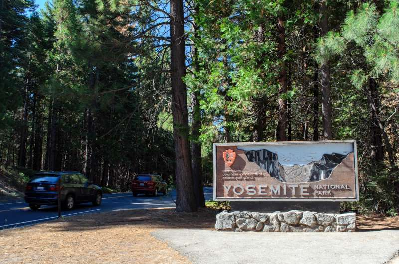 Entrance sign near Big Oak Flat Entrance Station, Yosemite National Park.