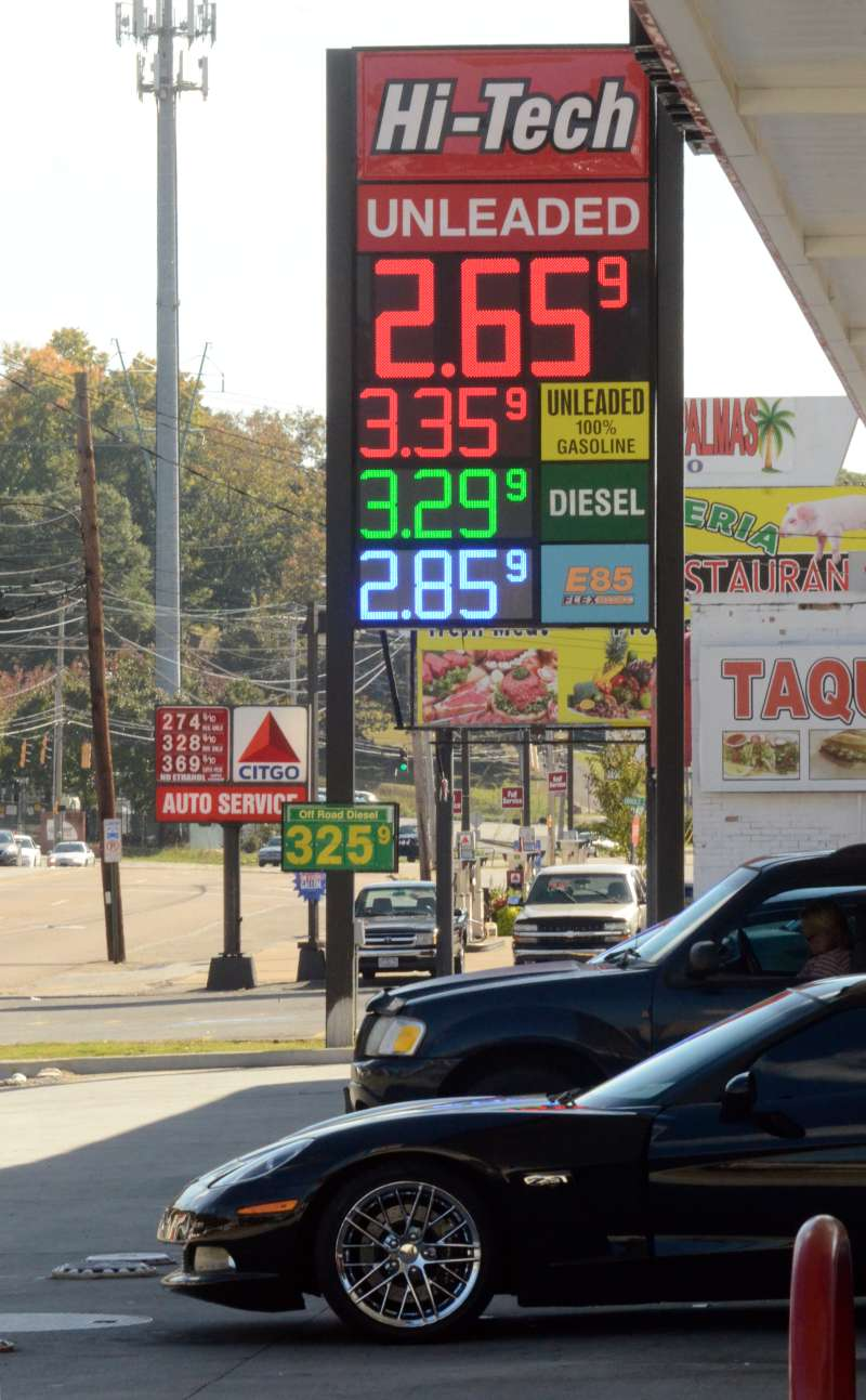 The price of regular gasoline dropped to $2.659 per gallon in Chattanooga, Tenn., on Tuesday, Oct. 21, 2014.