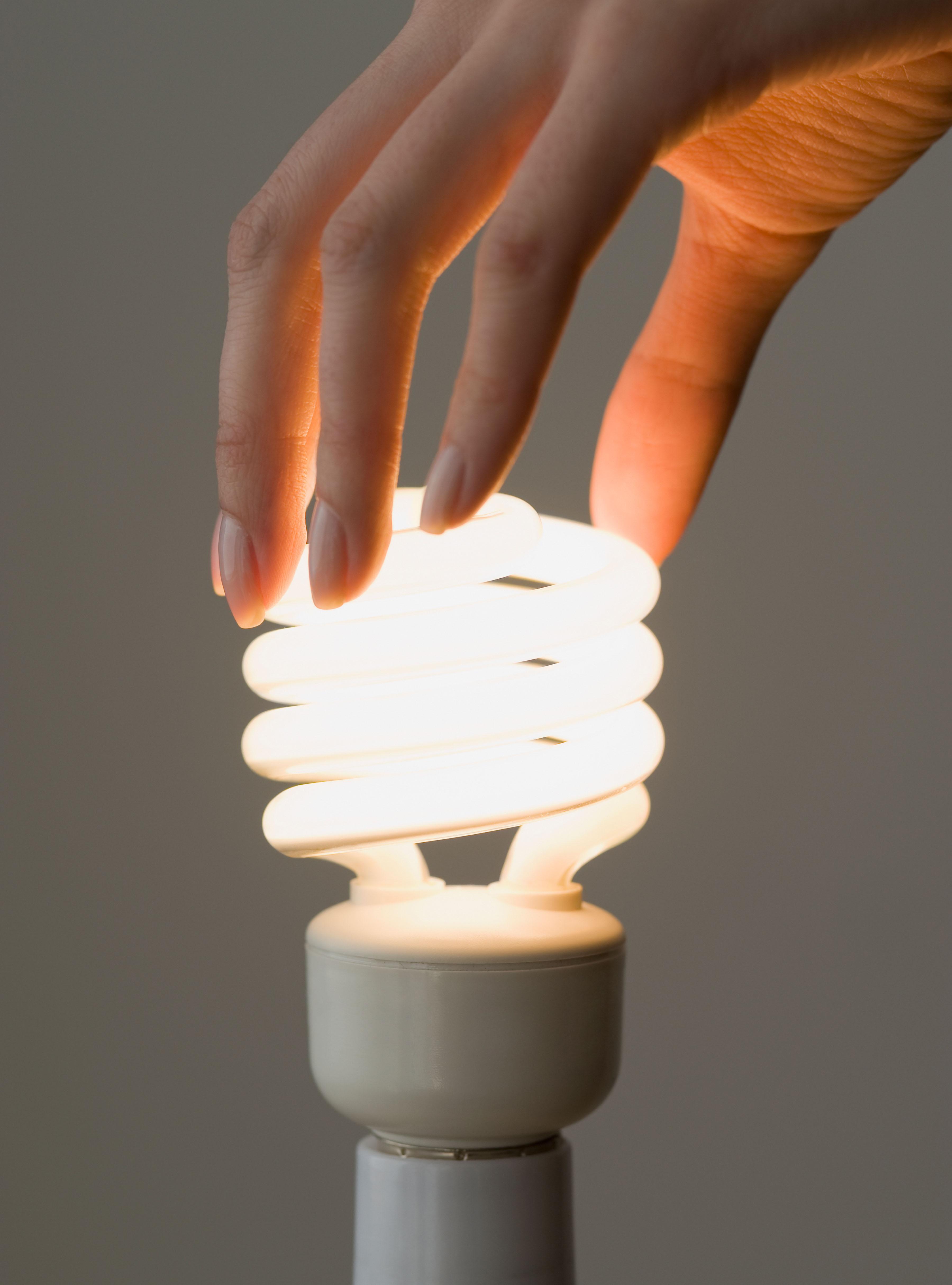 150420_EM_EarthDay_Lightbulb
