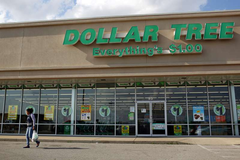 Dollar Tree Inc. dollar store  in Shelbyville, Kentucky, U.S.