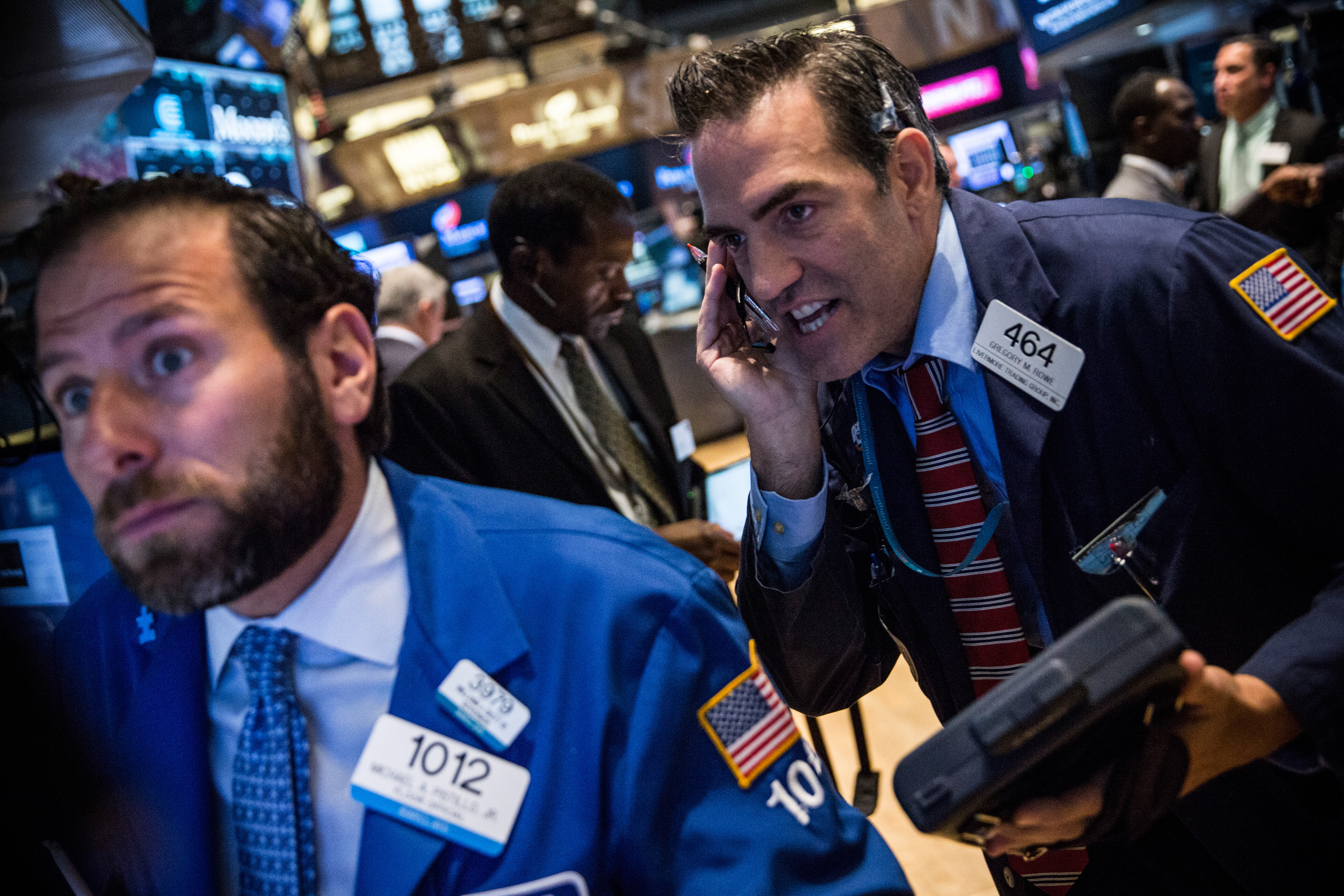 Traders work on the floor of the New York Stock Exchange during the morning of August 27, 2015 in New York City. Dow Jones Industrial Average stocks continued their rally, opening approximately 200 points higher today.