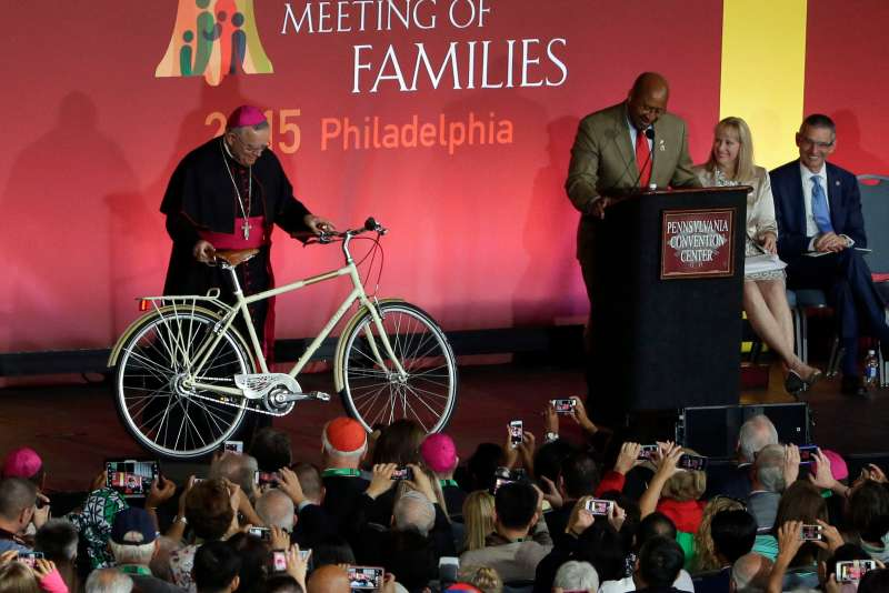 The city of Philadelphia plans to give to Pope Francis a Breezer Bike during his visit for the World Meeting of Families.
