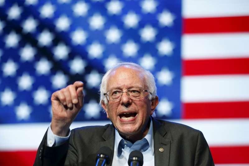 Democratic U.S. presidential candidate Bernie Sanders speaks at a rally in Hollywood, Los Angeles on October 14, 2015.