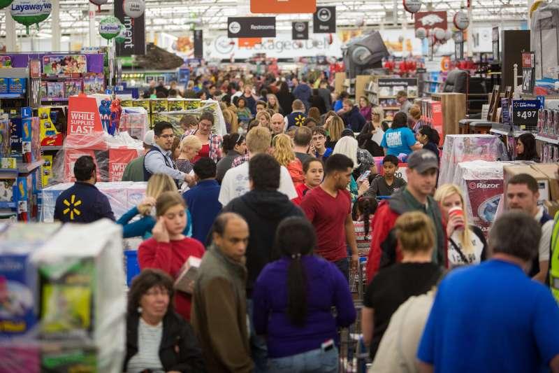 Customers at Walmart on Black Friday 2015.