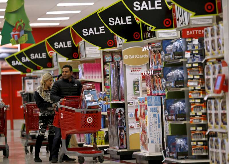 Shoppers take part in Black Friday Shopping at a Target store in Chicago, November 27, 2015.