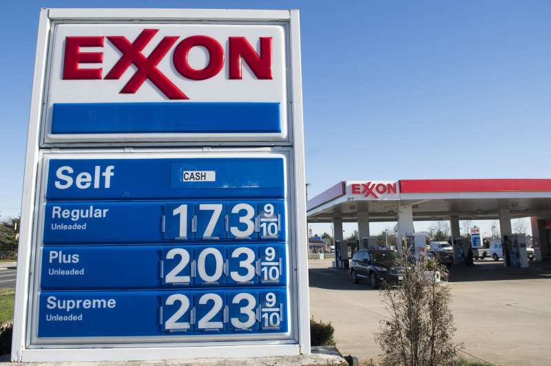 Gas prices displayed in Virginia on January 5, 2016.