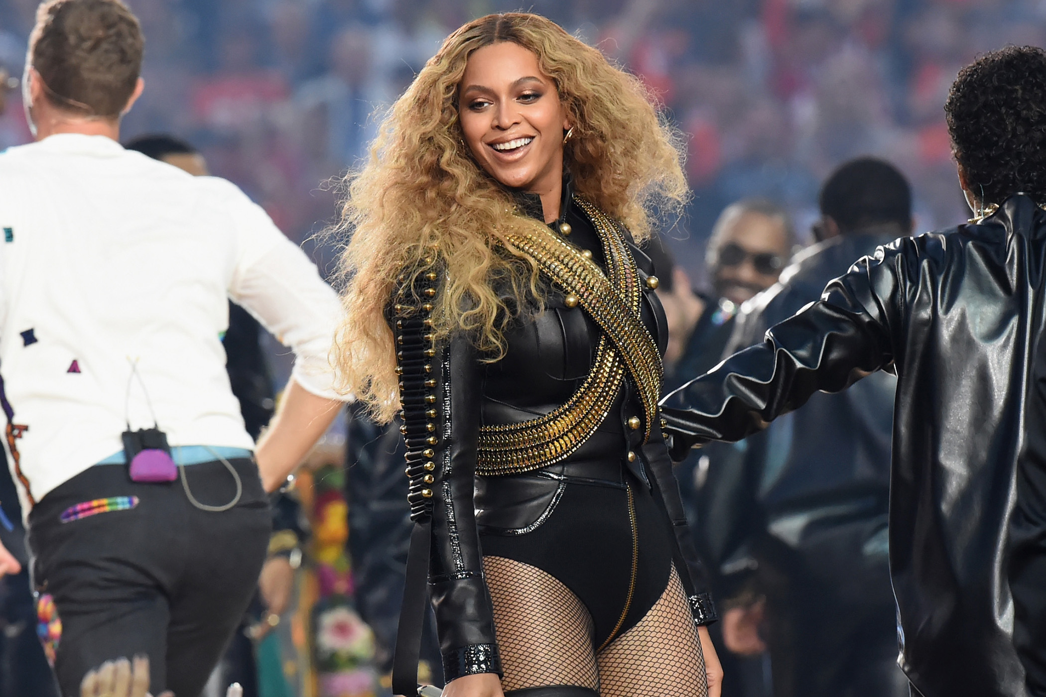 SANTA CLARA, CA - FEBRUARY 07:  Beyonce (R) performs onstage during the Pepsi Super Bowl 50 Halftime Show at Levi's Stadium on February 7, 2016 in Santa Clara, California.  (Photo by Jeff Kravitz/FilmMagic)