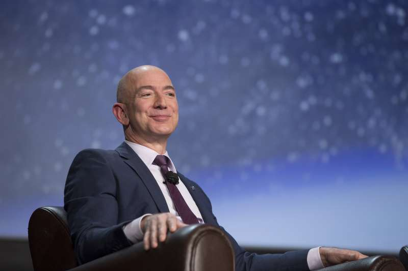Jeff Bezos made $6 billion Thursday after a strong earnings report from Amazon.