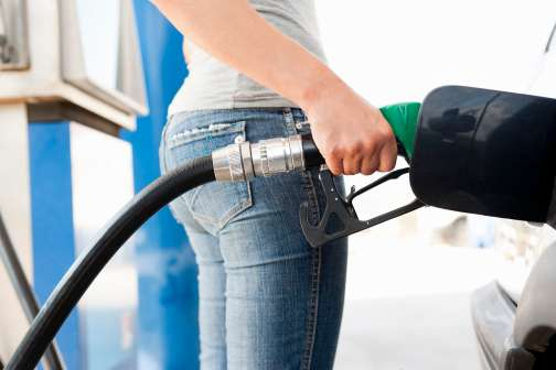 8 Ways to Save Money on Gas This Summer
