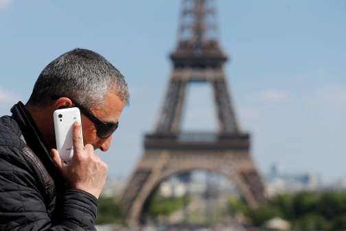 3 Ways to Cut Your Phone Bill When You Travel Abroad