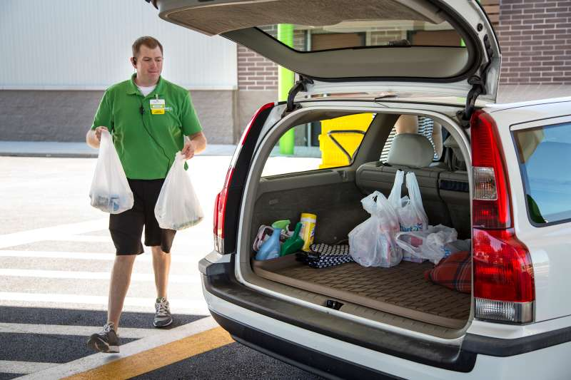 With Walmart's free online grocery pickup option, orders are delivered right to your car.