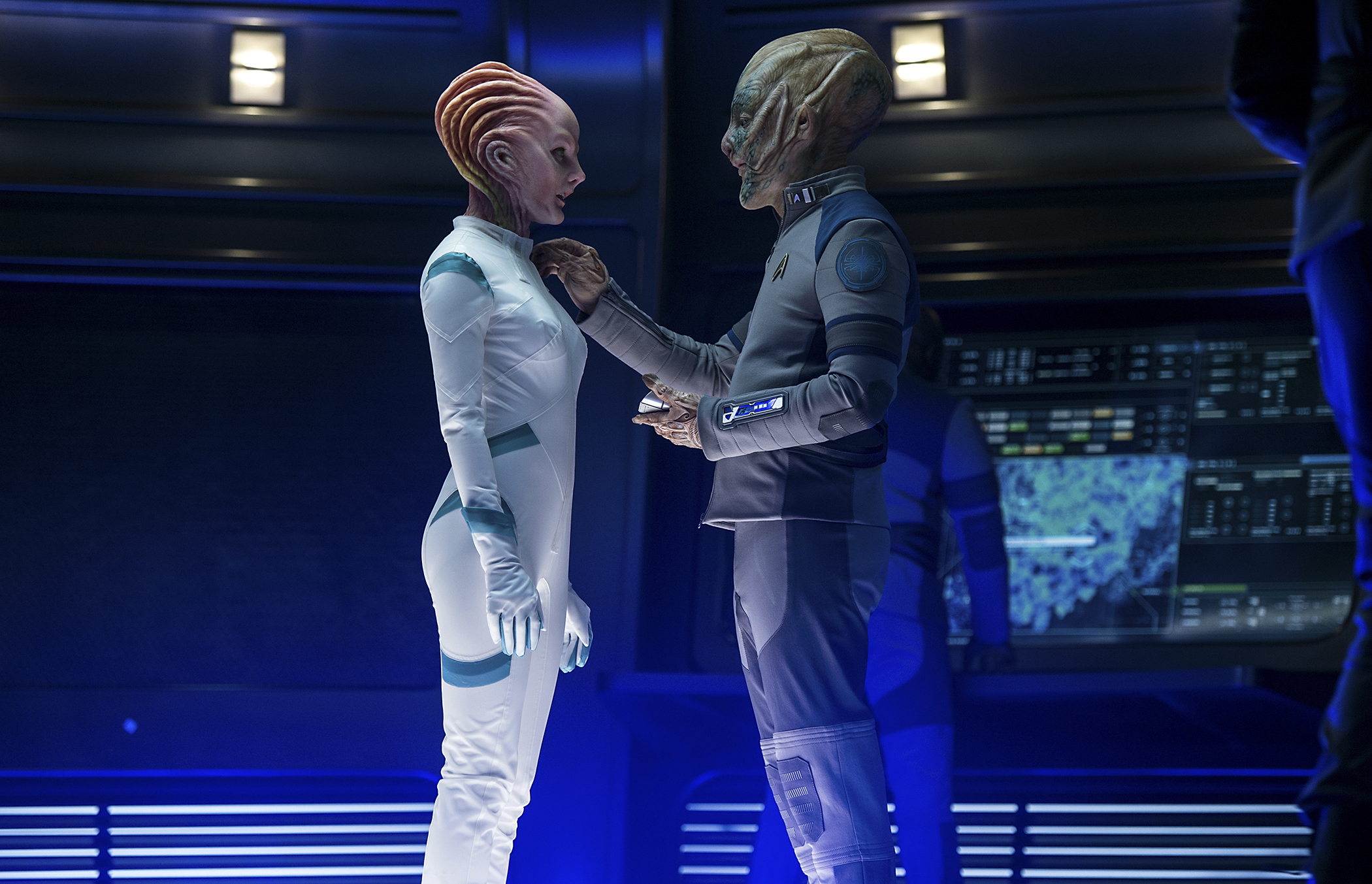 The alien on the right is Amazon CEO Jeff Bezos, in the new movie  Star Trek Beyond.