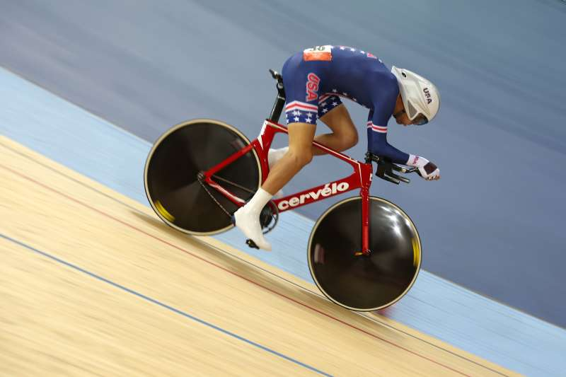 LONDON, ENGLAND - AUGUST 05:  Bobby Lea of the United States competes in the Men's Omnium Track Cycling 4km Individual Pursuit on Day 9 of the London 2012 Olympic Games at Velodrome on August 5, 2012 in London, England.  (Photo by Jeff Gross/Getty Images)