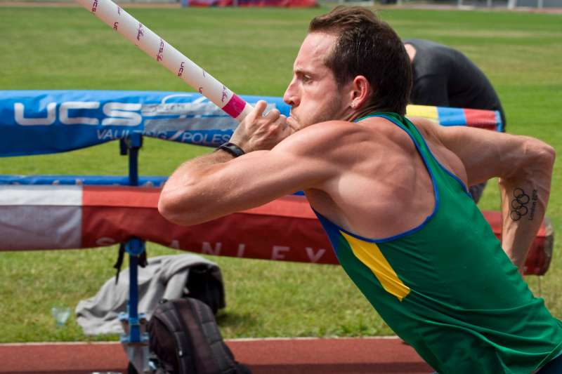 France's pole vault athlete Renaud Lavillenie trains on July 25, 2016 at Jean Pellez stadium in Aubiere near Clermont Ferrand, central France ahead of the Rio 2016 Olympic Games.