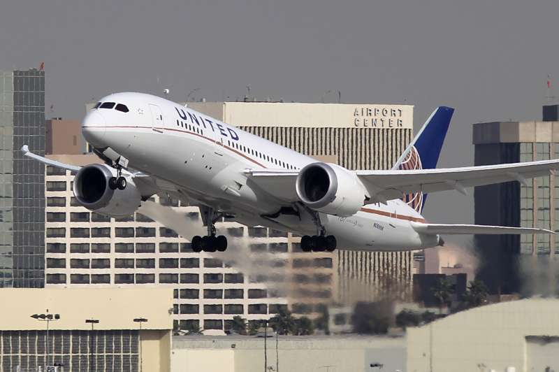 A Boeing 787 Dreamliner operated by United Airlines takes off at Los Angeles International Airport (LAX).
