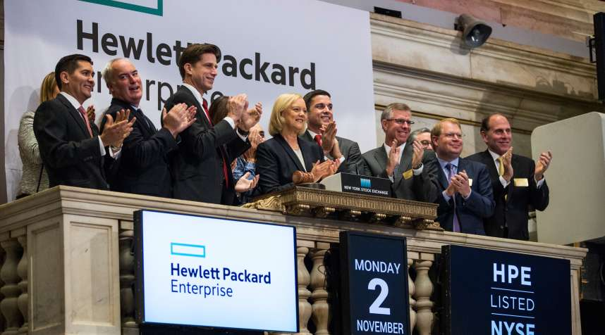 NEW YORK, NY - NOVEMBER 02:  Meg Whitman (C), CEO of Hewlett Packard, rings the opening bell at the New York Stock Exchange on November 2, 2015 in New York City. Hewlett Packard officially split into two companies, Hewlett-Packard Enterprise, focused on businesses and HP, Inc, focused on consumers.  (Photo by Andrew Burton/Getty Images)