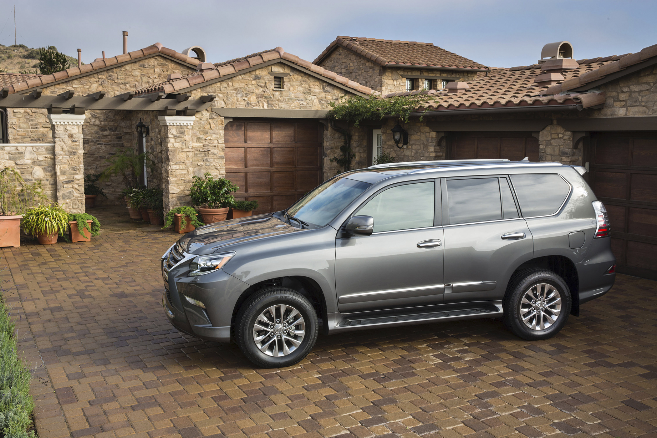 Best SUV:TheLexus GX 460, with a true ownership cost of $60,439, loses 43% of its value over five years—10% more than its non-luxury counterpart.
