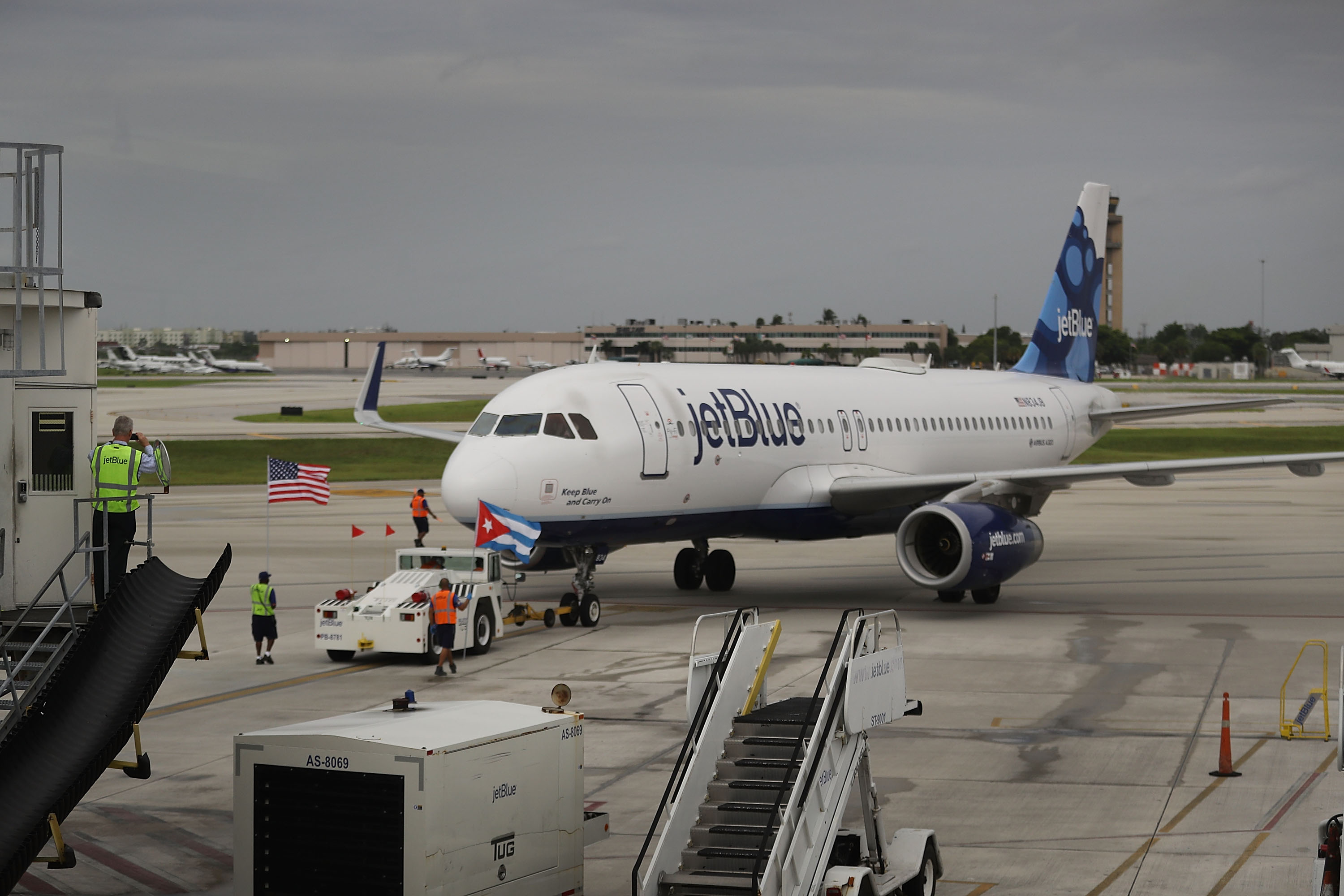 JetBlue Flight 387 pushes back from the gate at Fort Lauderdale-Hollywood International Airport as it prepares for take off to become the first scheduled commercial flight to Cuba since 1961 on August 31, 2016 in Fort Lauderdale, Florida. J