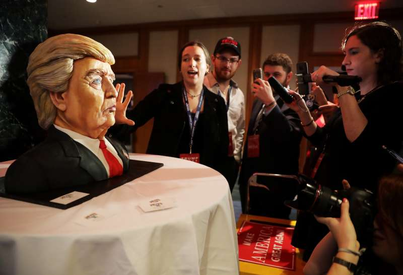 Donald Trump cake.