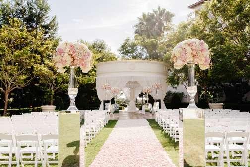 9 Extravagant Wedding Venues of the 1%
