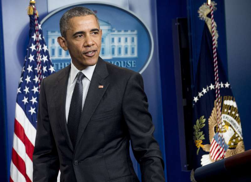 US President Barack Obama leaves after speaking in the White House Press Briefing Room on April 5, 2016.
