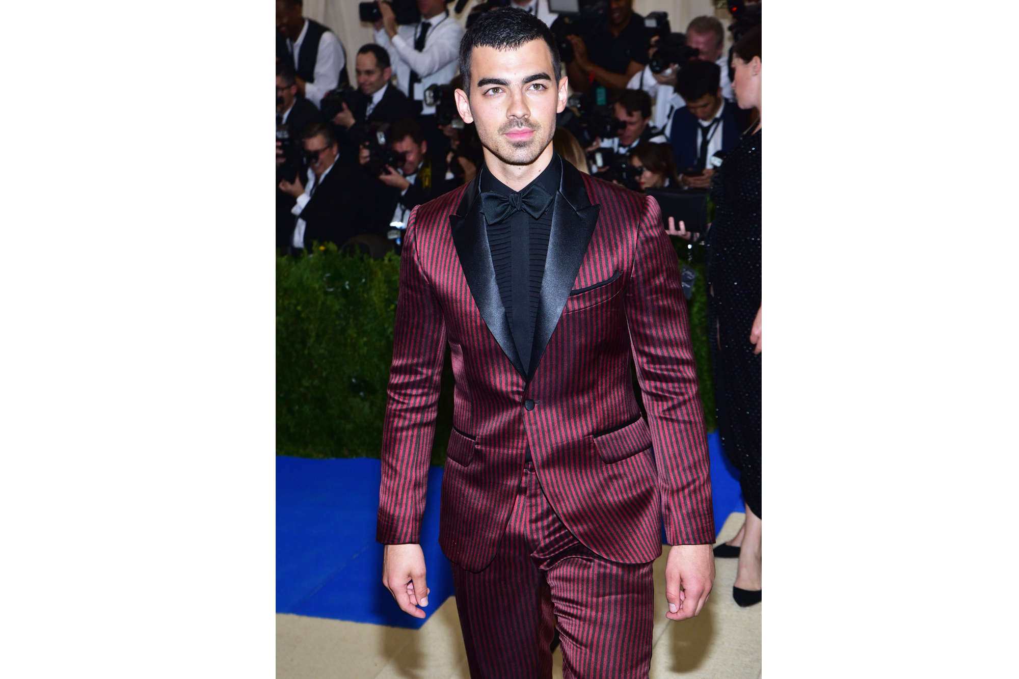 """NEW YORK, NY - MAY 01: Joe Jonas arrives at """"Rei Kawakubo/Comme des Garcons: Art Of The In-Between"""" Costume Institute Gala at The Metropolitan Museum on May 1, 2017 in New York City. (Photo by Sean Zanni/Patrick McMullan via Getty Images)"""