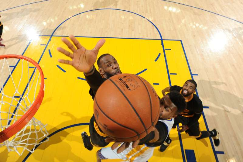 Leandro Barbosa of the Golden State Warriors going up for a layup against LeBron James of the Cleveland Cavaliers during Game 7 of the 2016 NBA Finals.