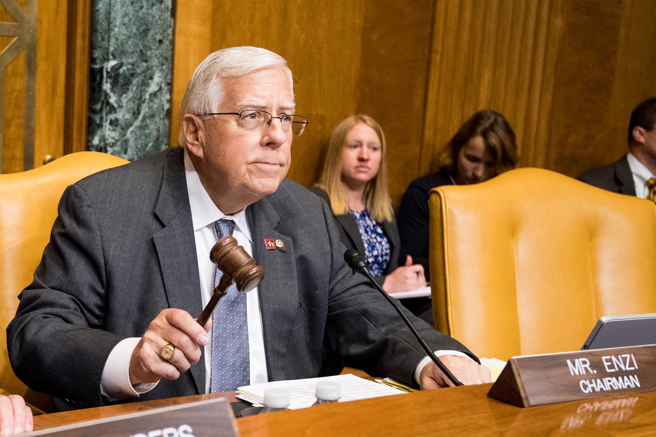 170620-senators-health-care-enzi