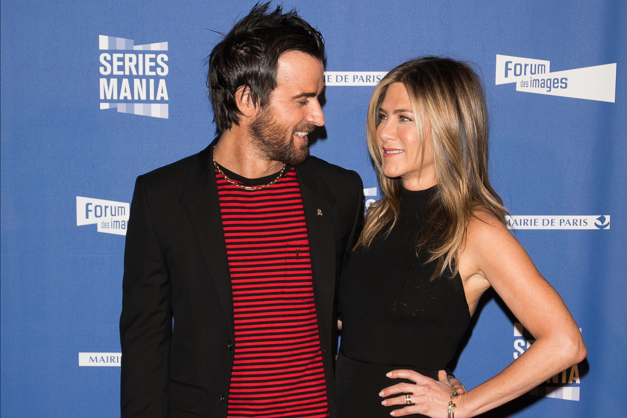 170706-richer-wives-justin-theroux-jennifer-aniston