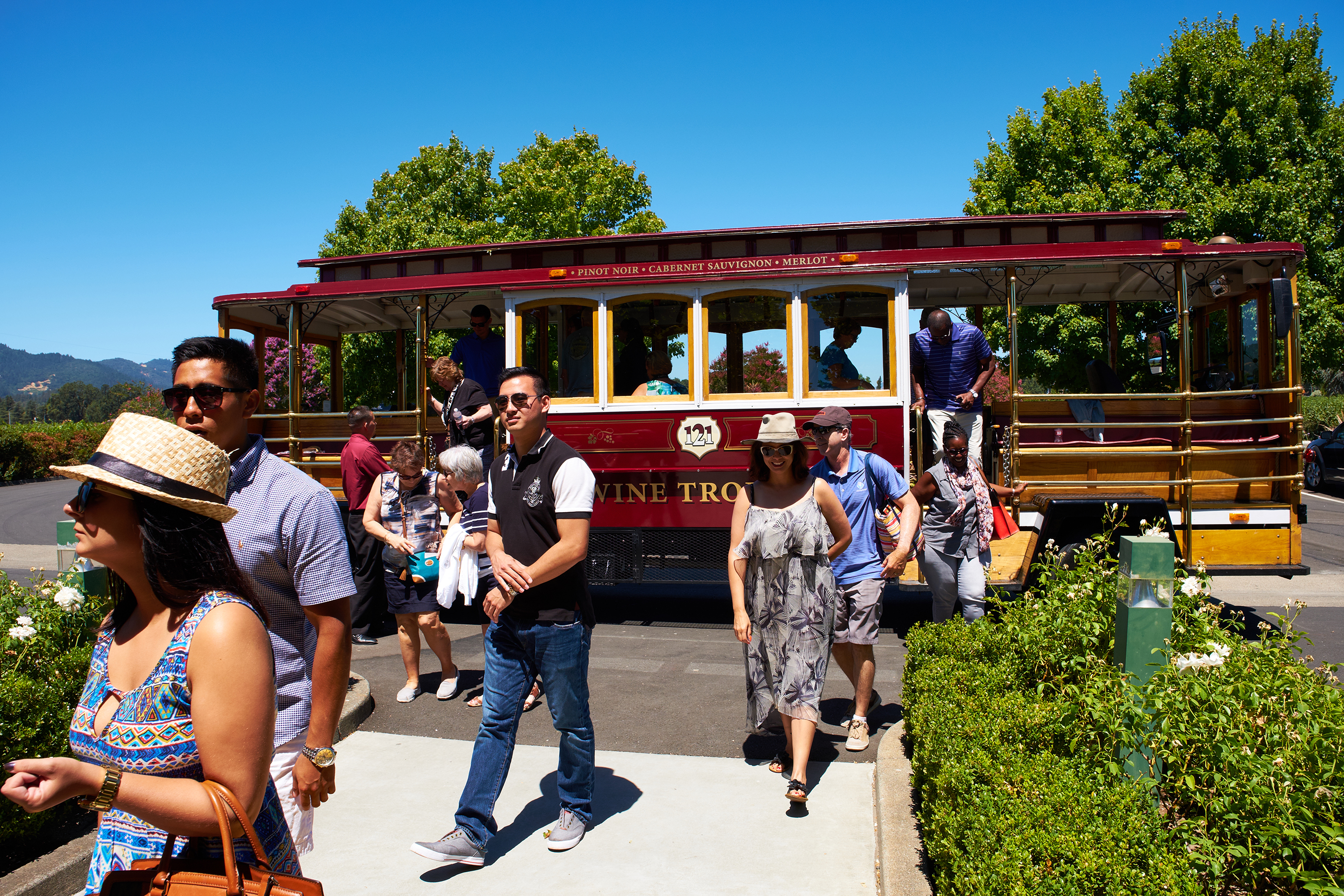 170913-BPL-drinking-cities-sonoma-valley-wine-trolley