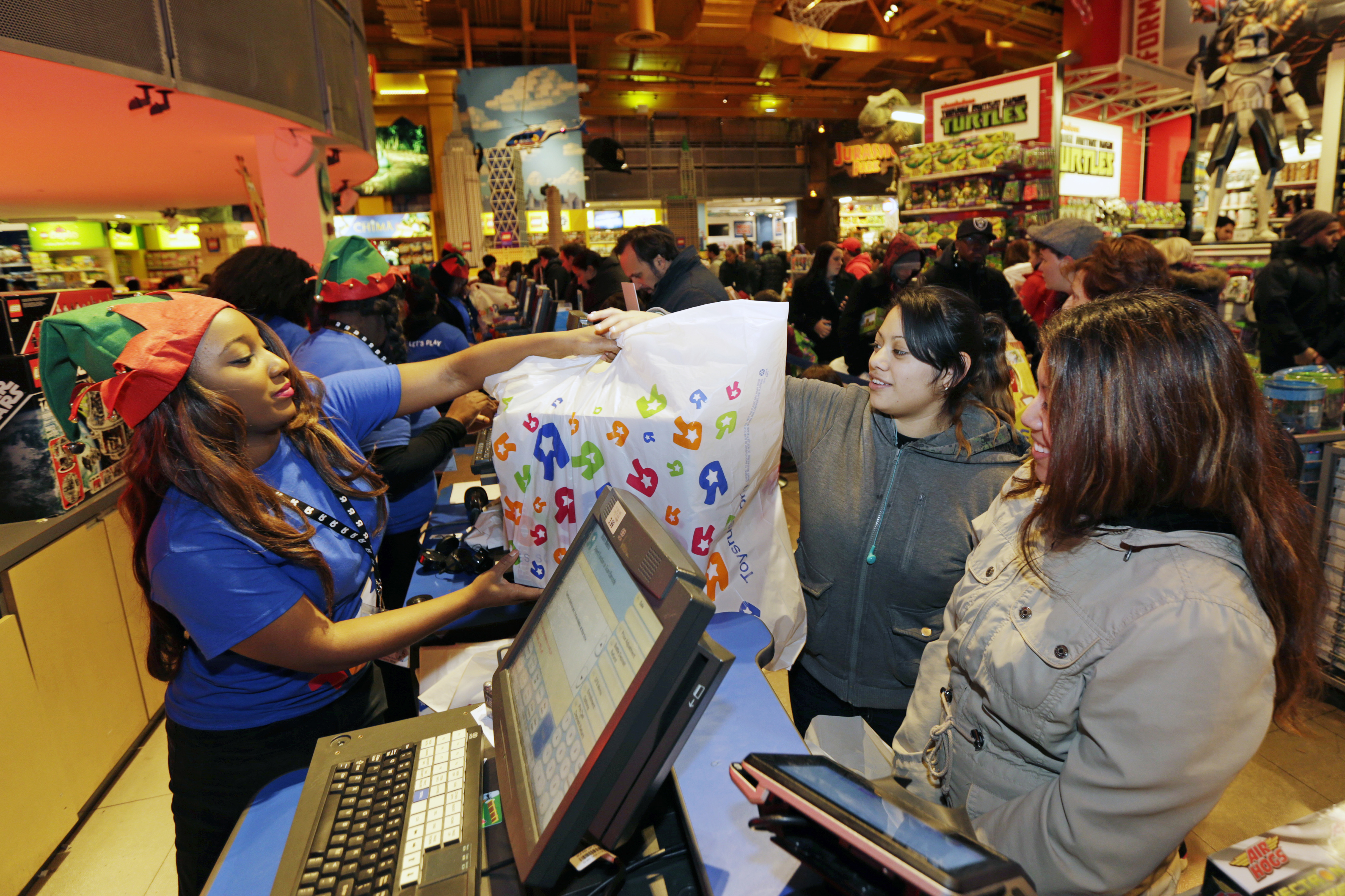 Shoppers Inside Toys R Us Inc. Stores Ahead Of Black Friday Sales