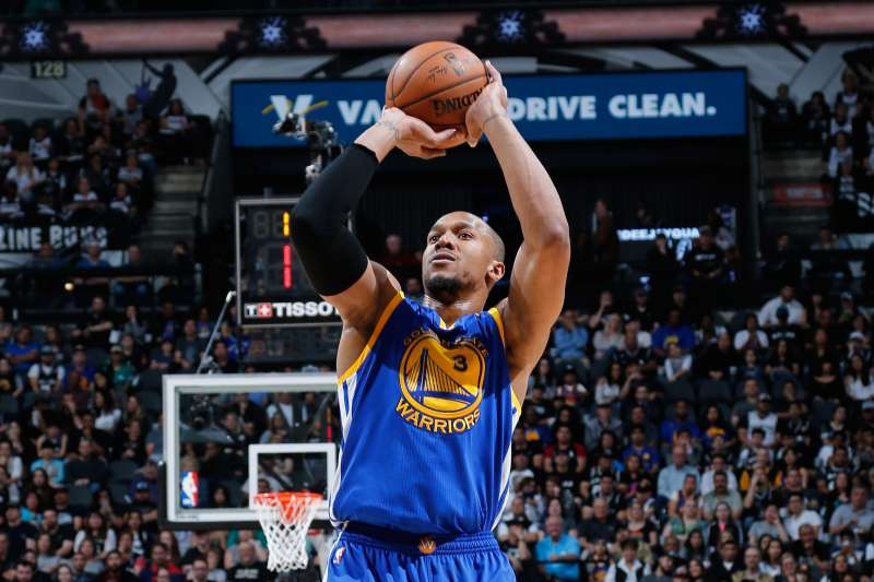David West #3 of the Golden State Warriors shoots the ball against the San Antonio Spurs on March 11, 2017 at the AT&T Center in San Antonio, Texas.