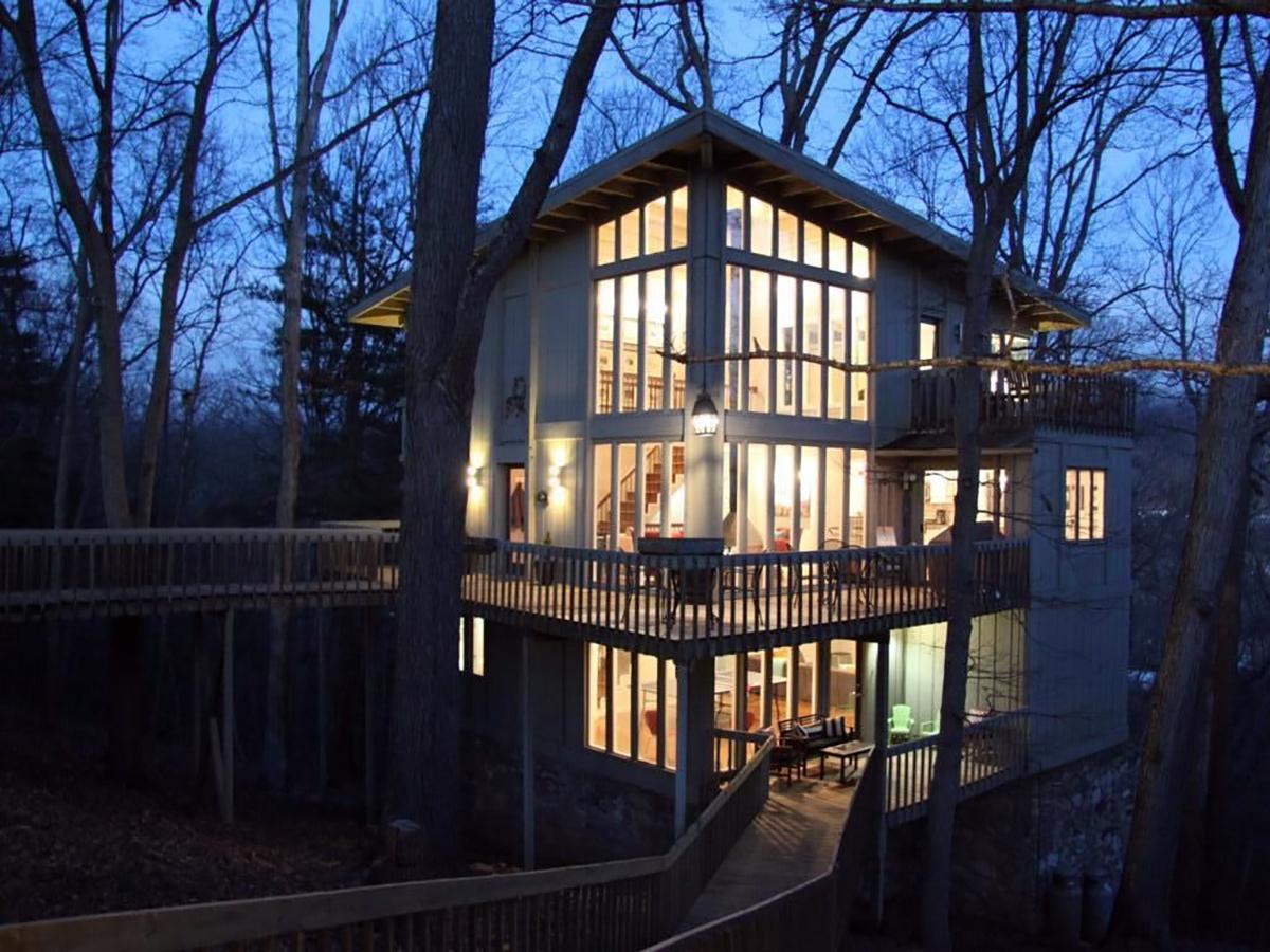 171110-treehouse-asheville-exterior