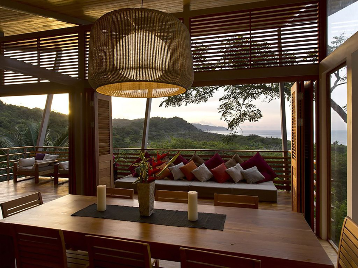 171110-treehouse-costa-rica-interior