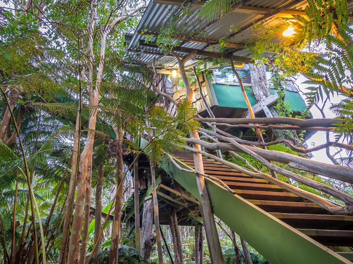 171110-treehouse-volcano-interior