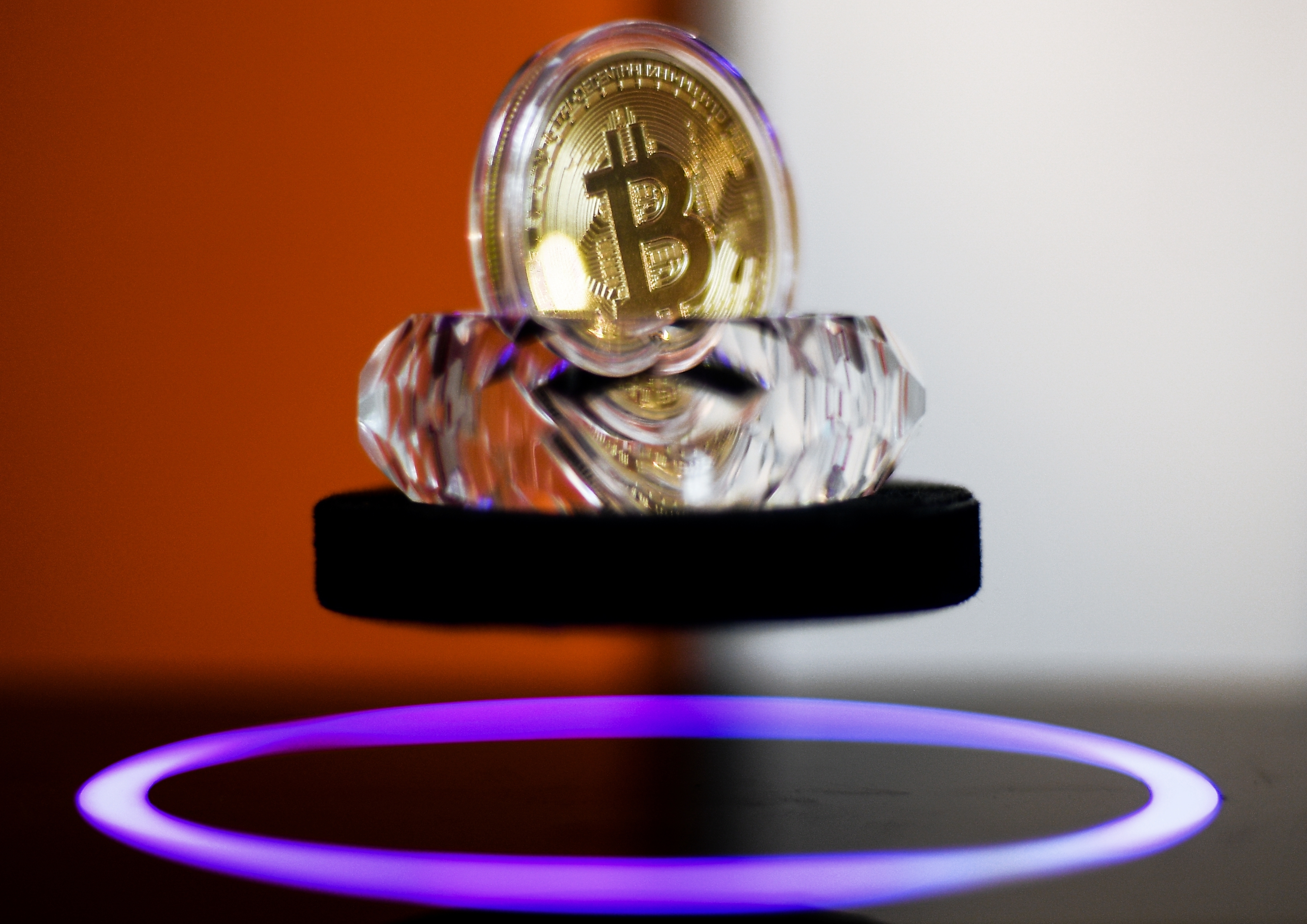 Here's How Rich You Would Be If You Bought $1000 Worth of Bitcoin a Year Ago