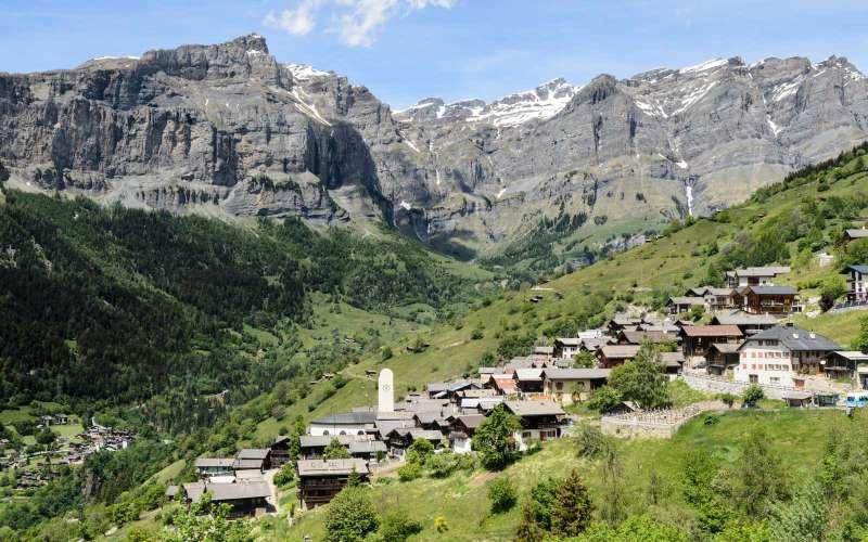EJN42T The alpine village of Albinen near Leukerbad, Switzerland.. Image shot 06/2014. Exact date unknown.