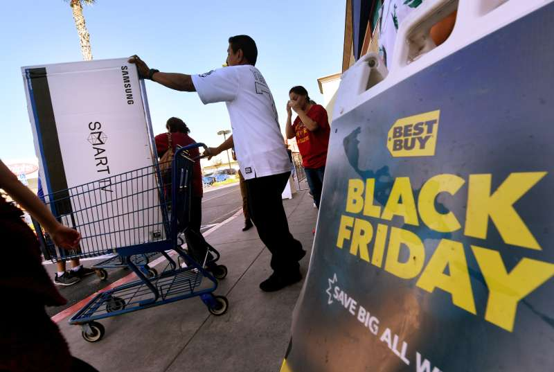 Shoppers at a Best Buy store in Culver City, California, on Black Friday last year.
