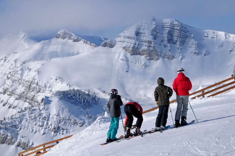 Jackson Hole, Wyoming, Skiers. (Photo by Education Images/UIG via Getty Images)