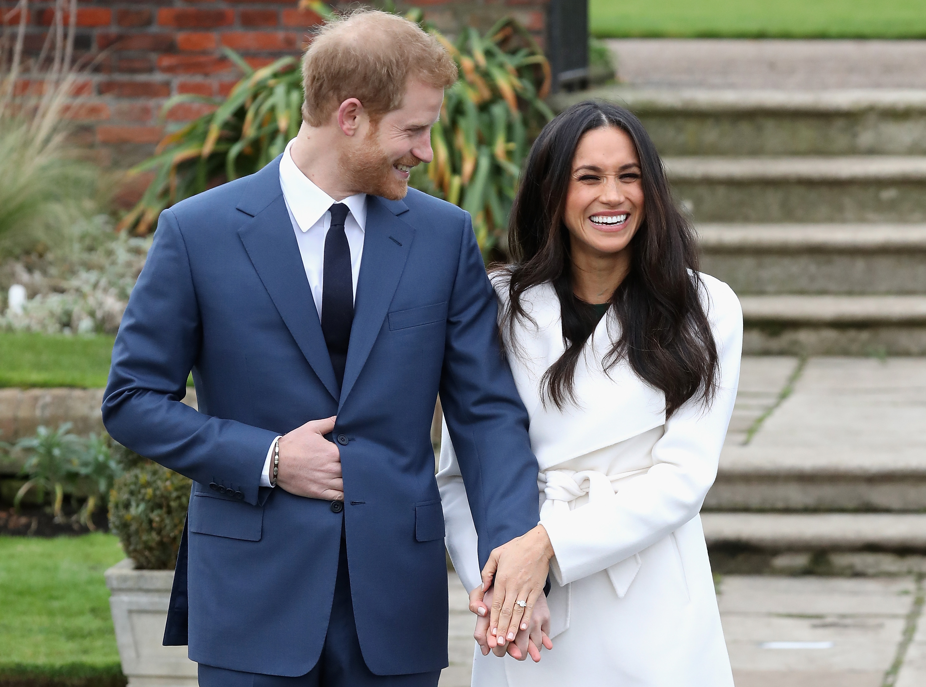 meghan markle s engagement ring cost here s what to know money https money com meghan markle prince harry engagement ring
