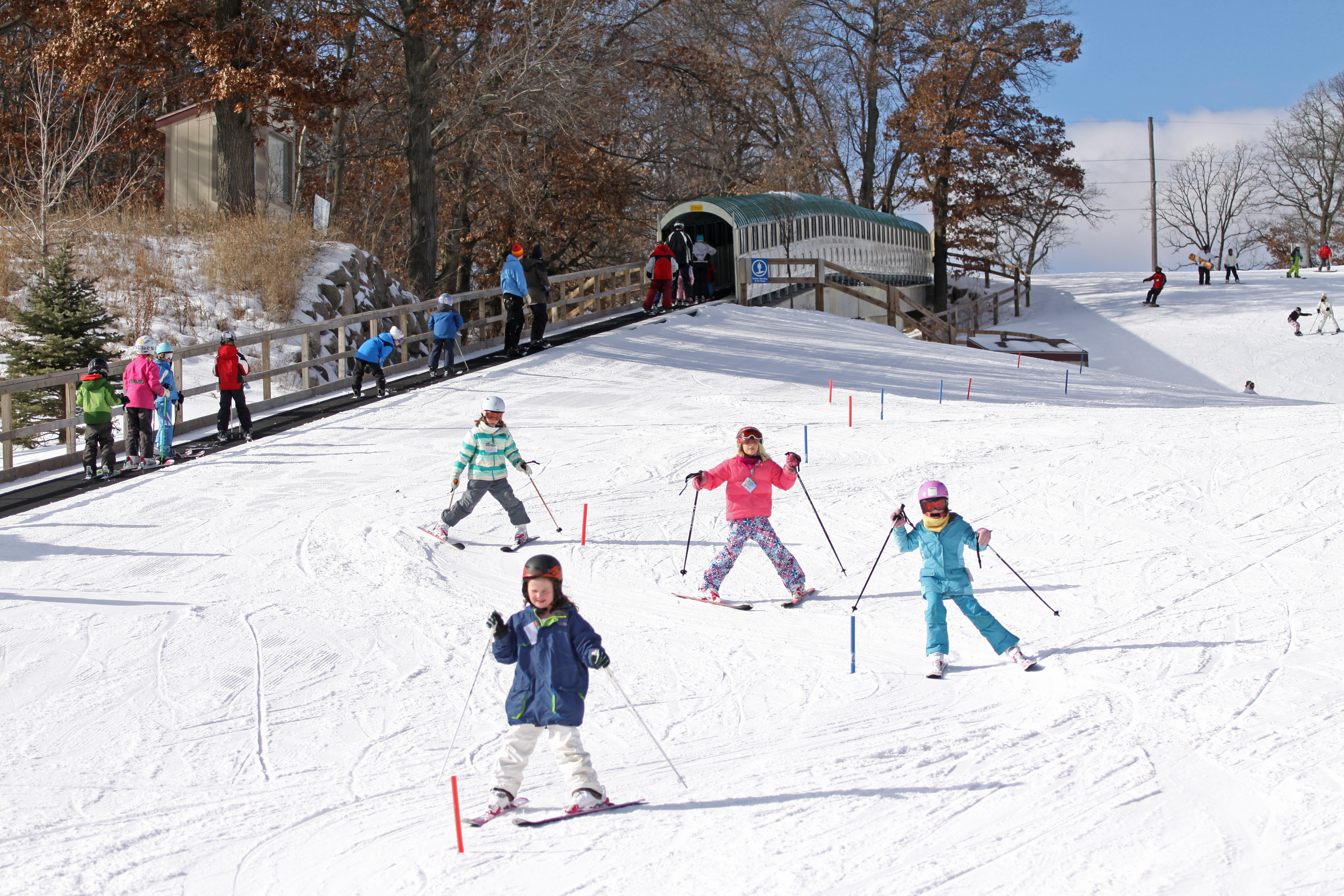171207-ski-destinations-Minneaoplis-Buck-Hill-Ski- Snowboard