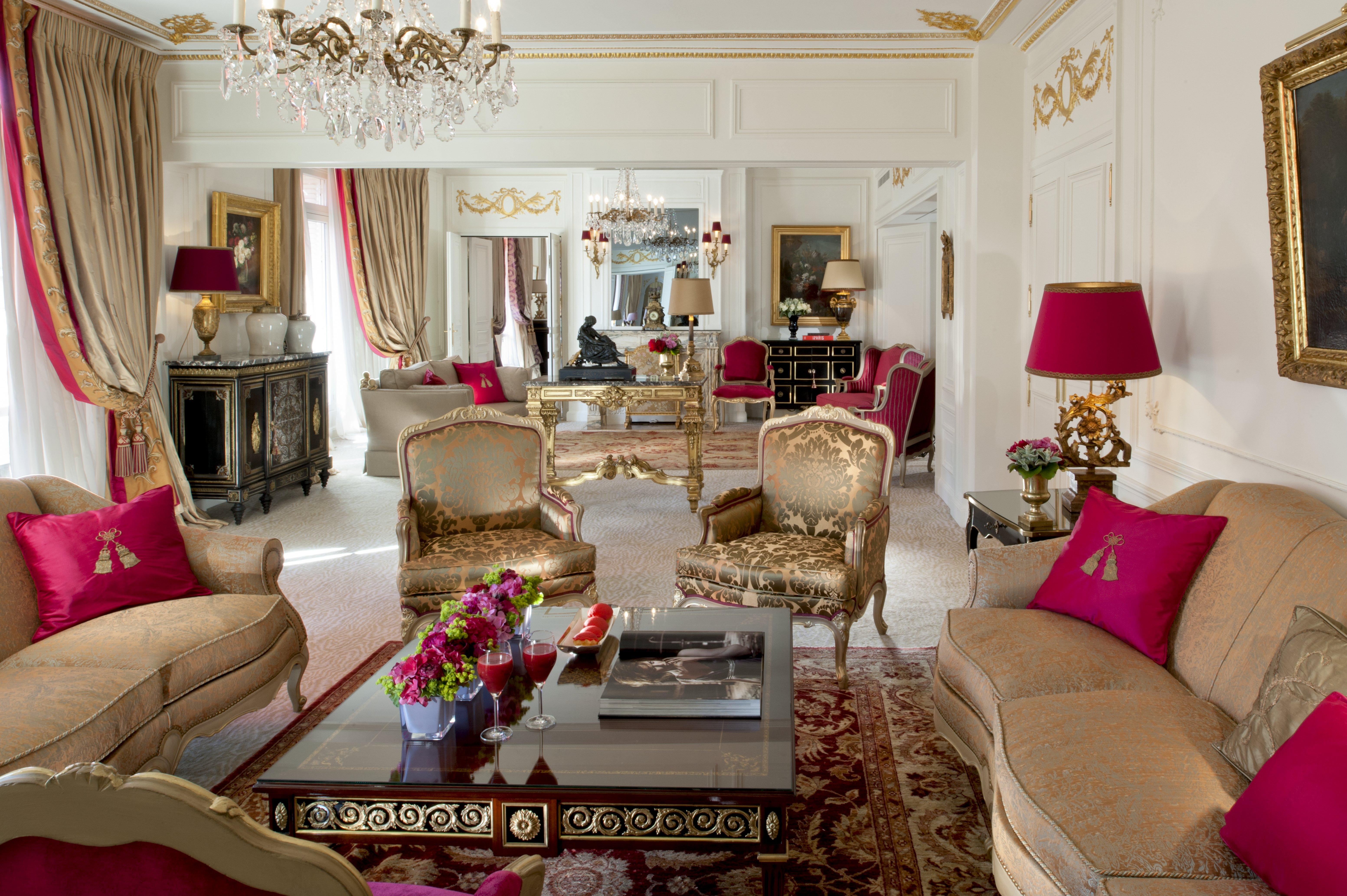 Hotel Plaza Athénée Royal Suite Living Room