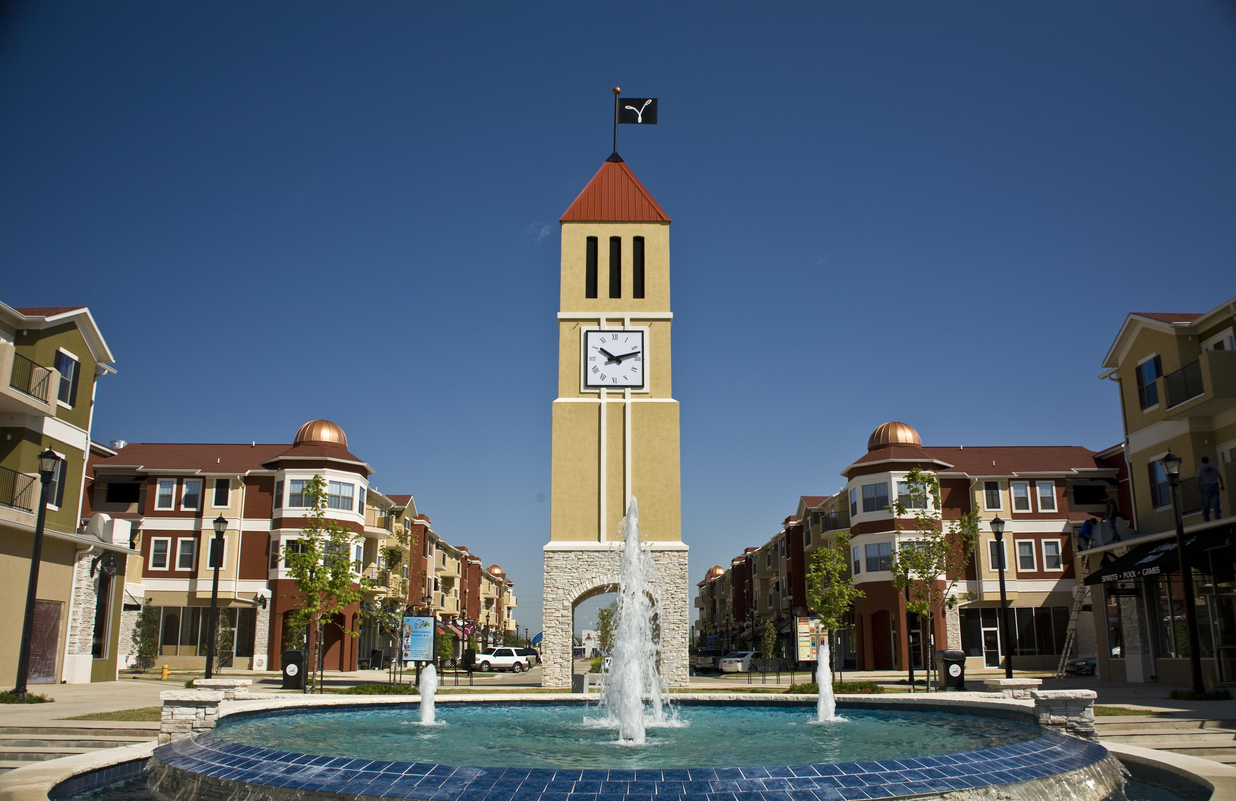 Clock tower and fountain in Villaggio, Bossier, Louisiana