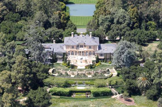 Oprah Winfrey owns this extravagant 42 acre estate located in the Santa Barbara area