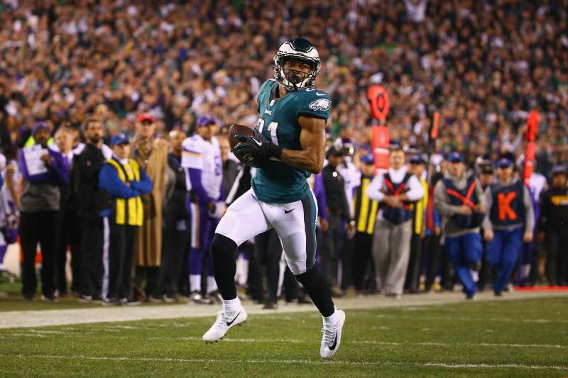 Patrick Robinson of the Philadelphia Eagles returns an interception for a touchdown against the Minnesota Vikings in the NFC Championship game on January 21, 2018.