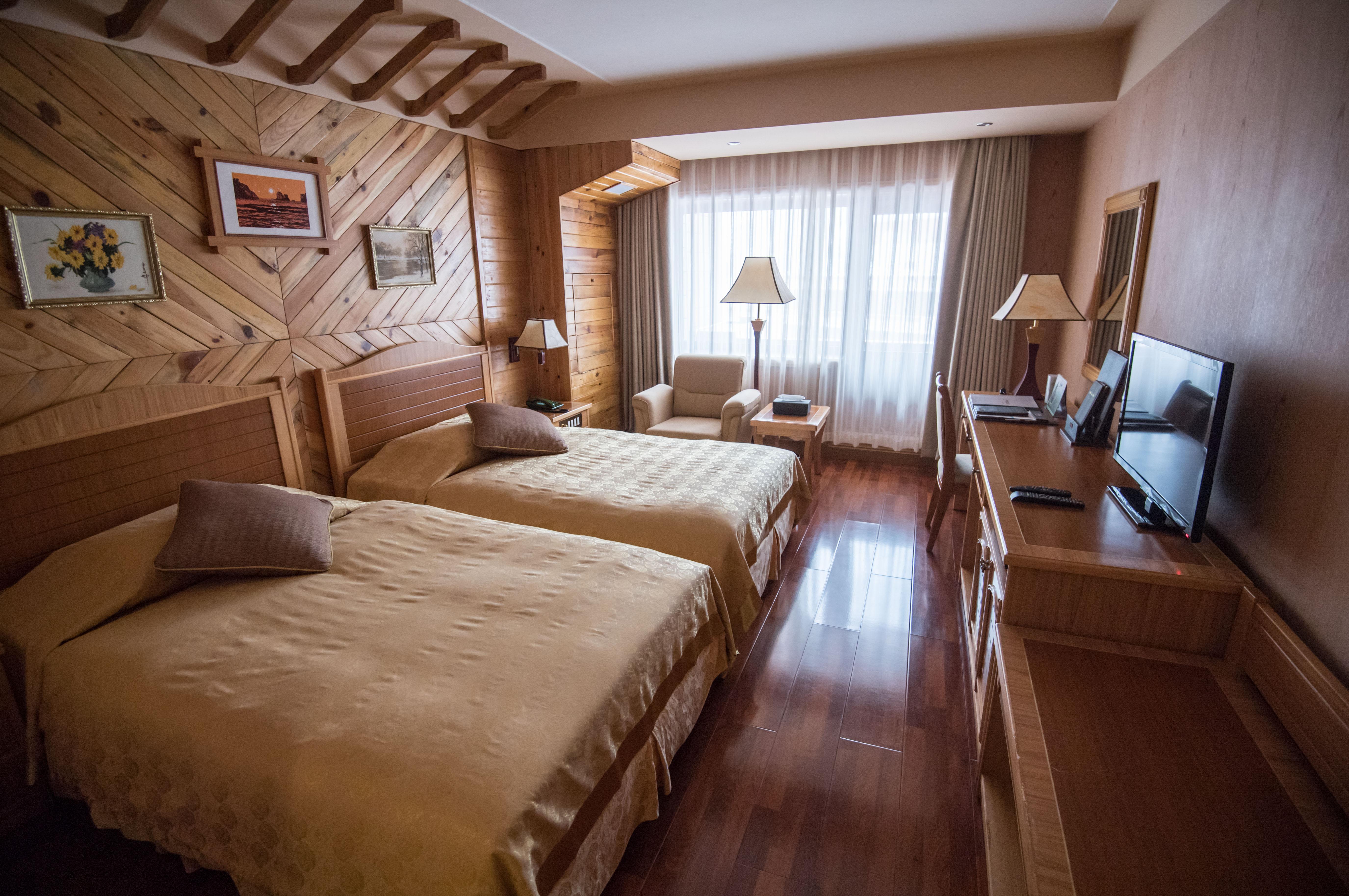NKOREA-TOURISM-LEISURE-SKI-DIPLOMACY