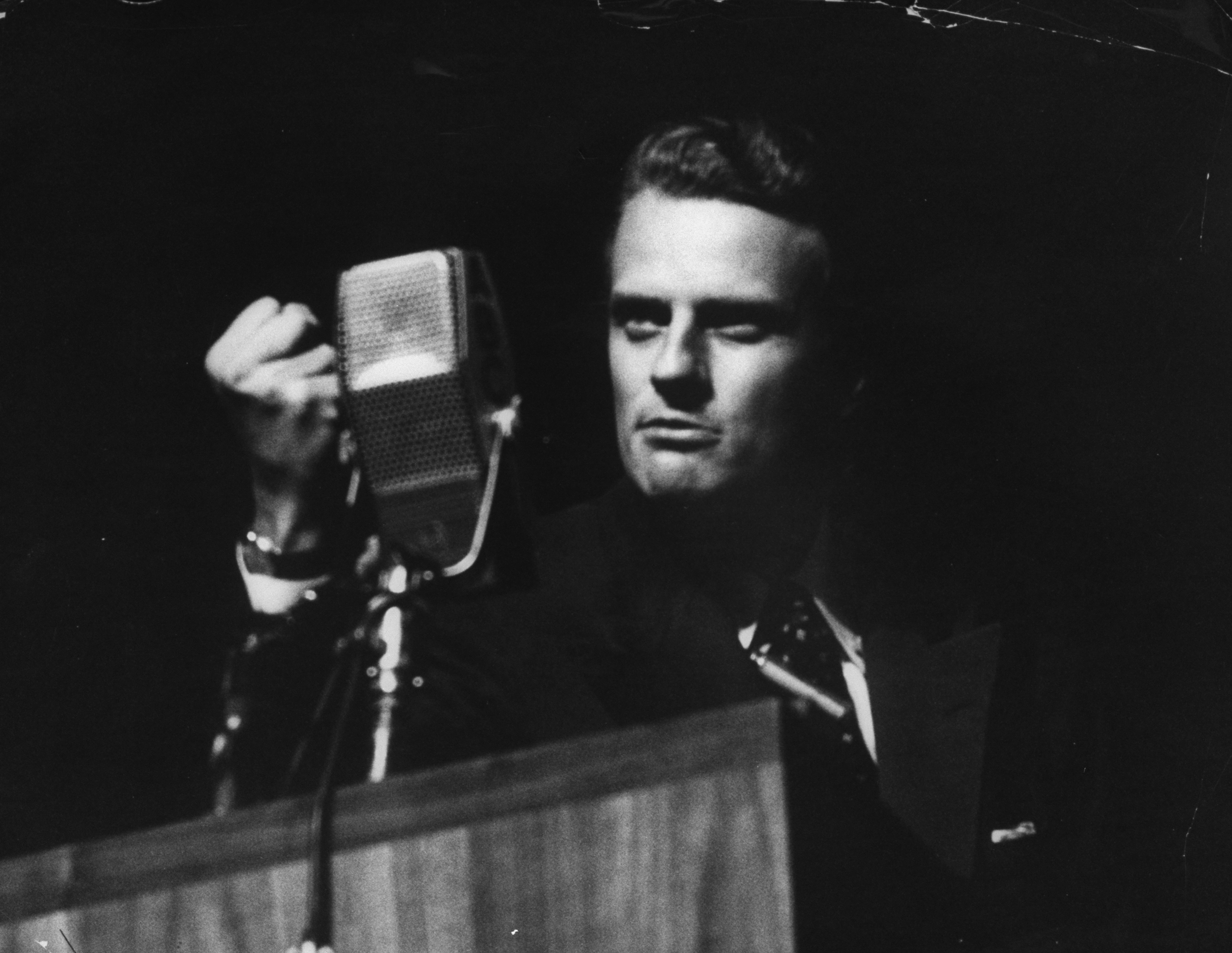Billy Graham-preaching