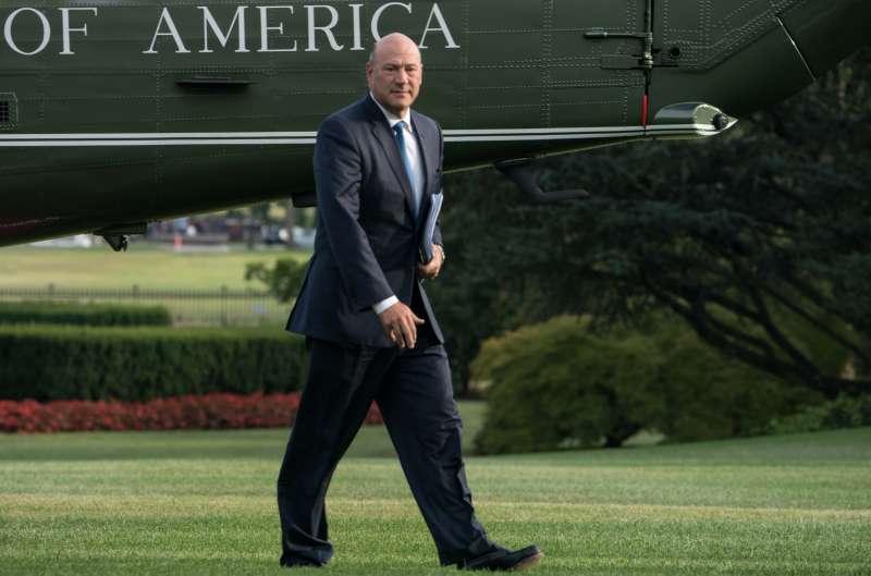 White House economic advisor Gary Cohn walks to the White House in Washington, DC, on August 30, 2017 upon return from Springfield, Missouri, where US President Donald Trump spoke about tax reform.